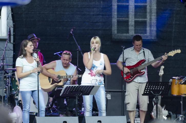 Pure Voices Band 9